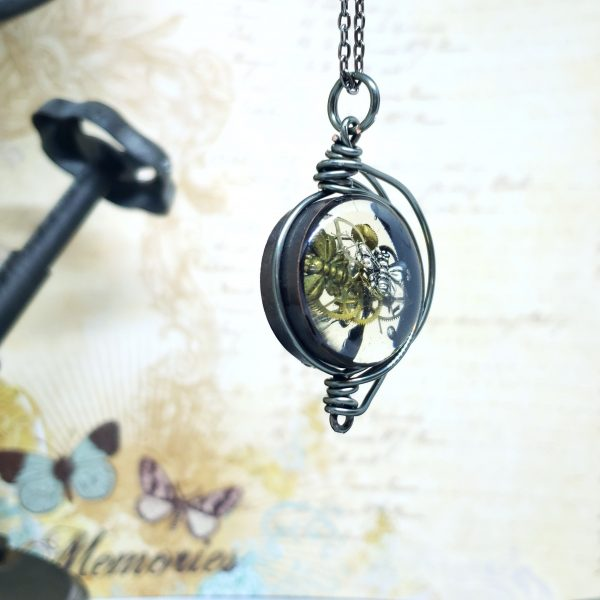 Steampunk Necklace in Gunmetal Fancy Wire Wrap Small